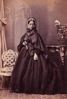 Queen_Emma_of_Hawaii,_photograph_by_Camille_Silvy